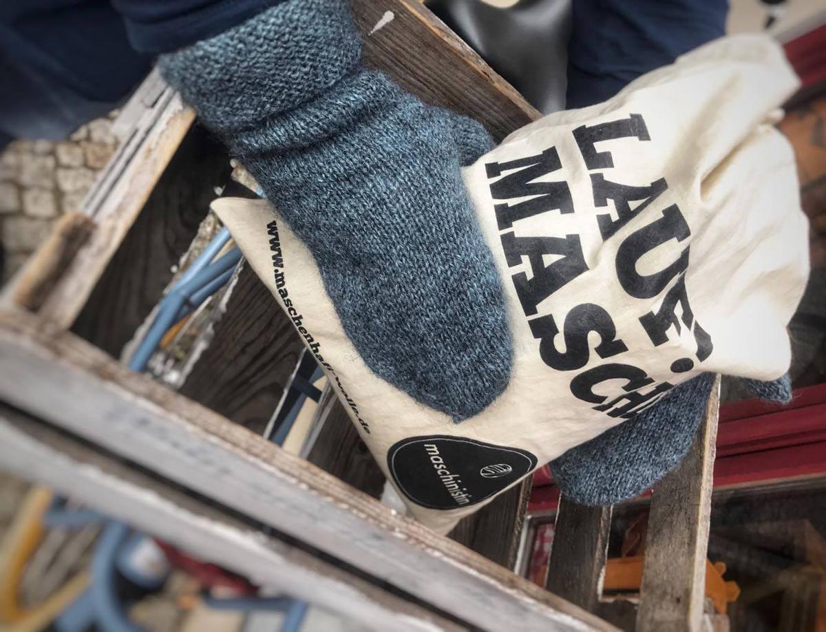 Ein warmes Geschenk – die kostenlose Strick-Anleitung für Handschuhe