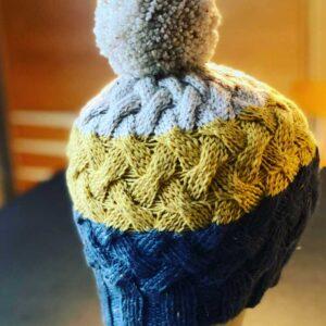 Mütze mit PomPom aus Tasmanian Tweed von Atelier Zitron